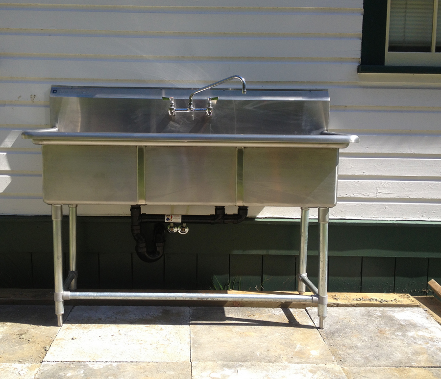 3 Compartment Stainless Steel Commercial Sink And Faucet