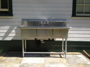 Commercial sink installed outside  (2)